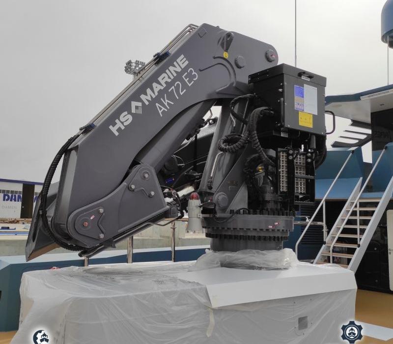 AK72E3 crane for PHI PHANTOM VALLETTA